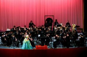 Das Blasorchester der Shanghai Jiaotong Universität. Sie spielten die ersten 15 Minuten. Es gab auch einen eindrucksvollen Vortrag mit Gesang.